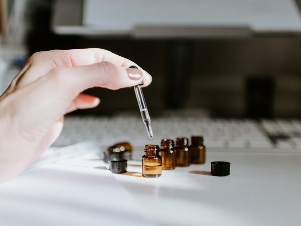 Mixing of liquids for the electronic cigarette